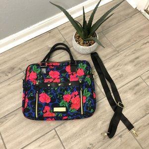 Skull 💀 roses 🌹 Betsy Johnson bag